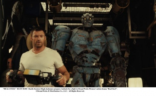 """""""REAL STEEL""""  RS-FF-015R  Charlie Kenton (Hugh Jackman) prepares Ambush for a fight in DreamWorks Pictures' action drama """"Real Steel"""".  ©DreamWorks II Distribution Co., LLC. All Rights Reserved."""