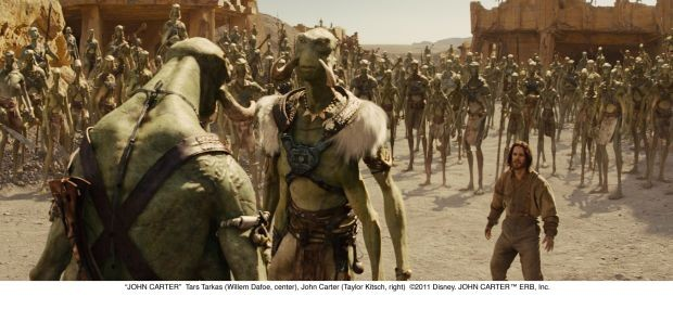 """JOHN CARTER""Tars Tarkas (Willem Dafoe, center), John Carter (Taylor Kitsch, right)©2011 Disney. JOHN CARTER™ ERB, Inc."