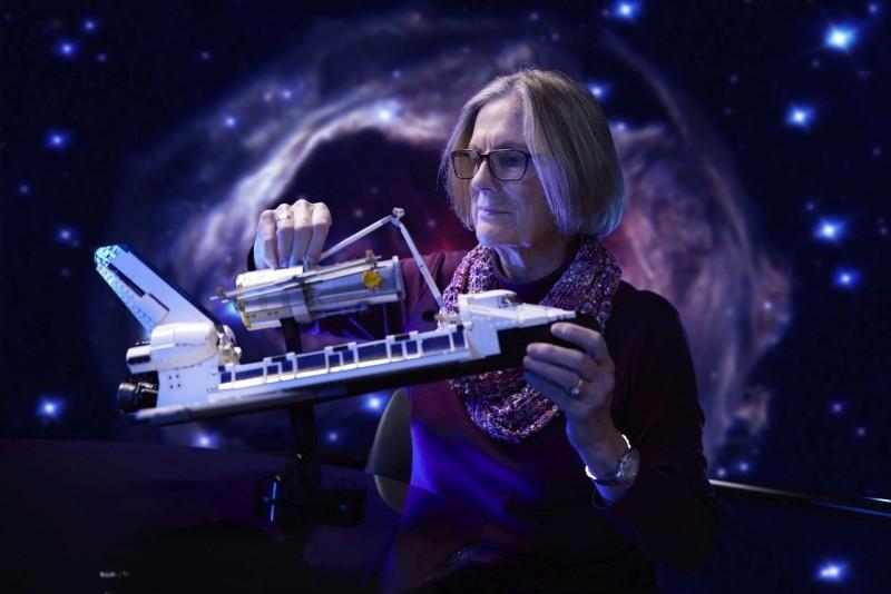 LEGO NASA Spaceshuttle Discovery