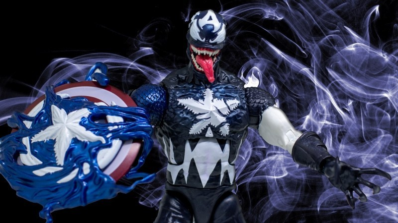 Venomized Captain America Actionfigur
